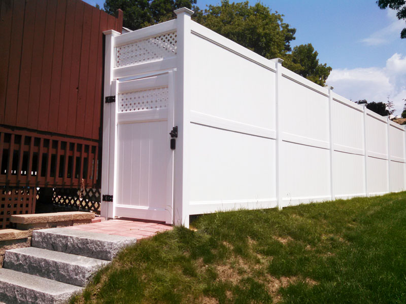 vinyl fence installation